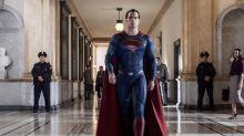 """Netflix: So sieht """"Superman""""-Akteur Cavill als Hexer aus"""