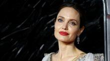 """Angelina Jolie lässt für """"Harper's Bazaar"""" alle Hüllen fallen"""