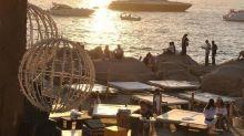 Ancora contagi in Costa Smeralda: 21 positivi tra lo staff del discoclub Phi Beach