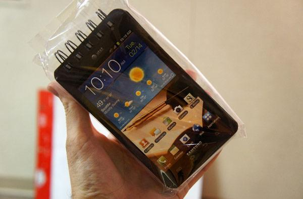 Samsung Galaxy Note Notepad hands-on at CES: it's like a Note, but analog