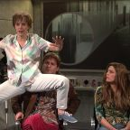 Kate McKinnon's Unlucky 'SNL' Alien Abduction Character Now Hounded By Ghosts