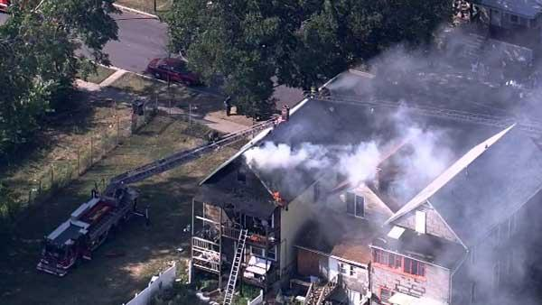 CFD: Person jumps from 2nd floor at West Garfield Park fire