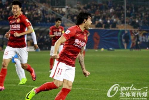 Ricardo Goulart marca em vitória do Guangzhou; Kardec deixa o dele