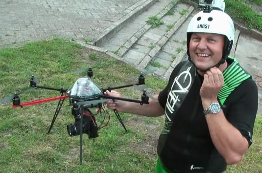 Camera-equipped hexacopter turns summer vacation videos into aerial masterworks (video)