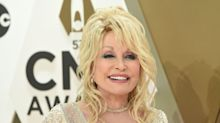 National Saint Dolly Parton Saved Her 9-Year-Old Co-Star From An Oncoming Vehicle