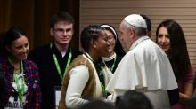 Papa chama cliente de prostitutas de 'criminoso'