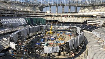 L.A. stadium exposing workers to danger