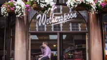 All Wetherspoons pubs to offer government eating out discount