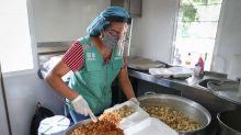 Comemóvil, comidas gratis en CDMX para familiares que esperan frente a hospitales en tiempos de COVID-19