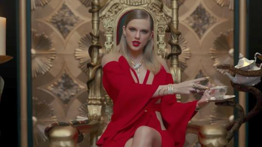 Taylor Swift sells more than 1 million copies for the fourth time
