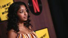Dia Internacional da Menina: 'Nada me preparou para o ódio que encontrei na internet', diz estrela da série da Netflix Eu Nunca…