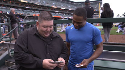 Granderson opens old cards, names his GOAT