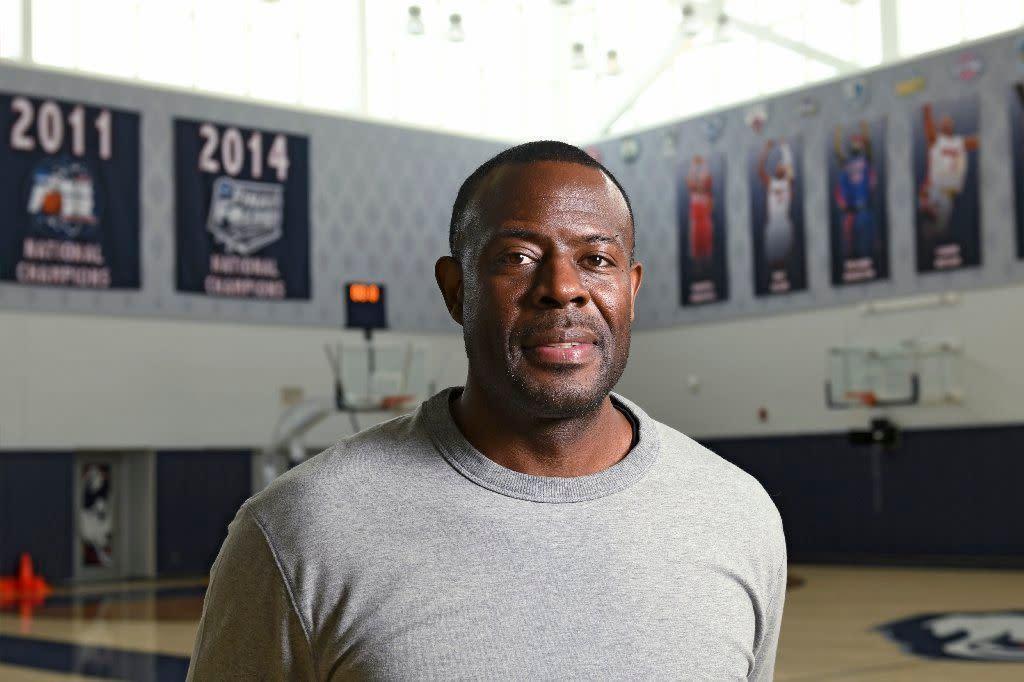 UConn men losing assistant coach Kenya Hunter to Indiana