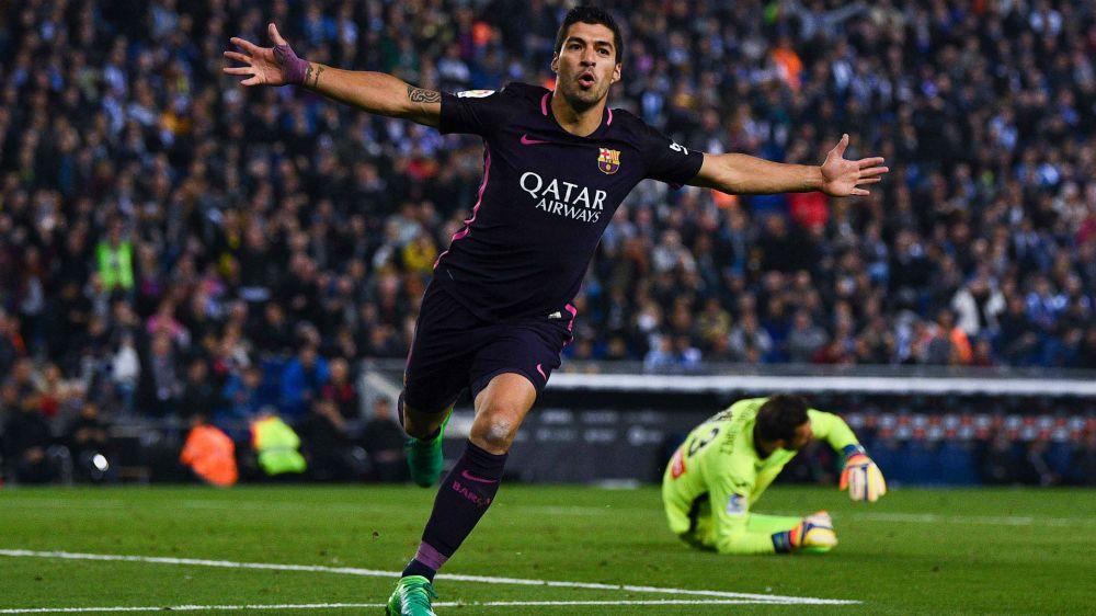 Espanyol 0 Barcelona 3: Suarez brace, Rakitic strike sends Luis Enrique's side to the top