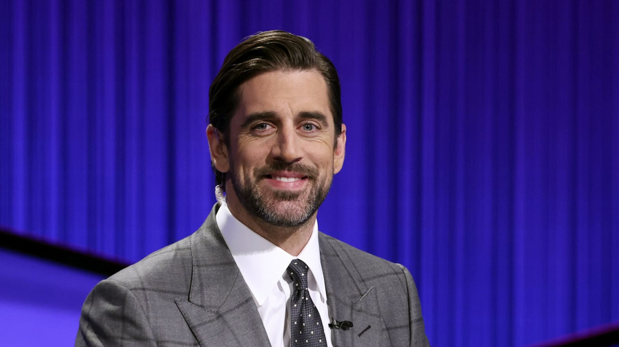 Rodgers as 'Jeopardy!' host: How is he doing?