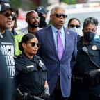 Rep. Hank Johnson among 10 demonstrators arrested at voting rights protest