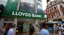 Lloyds Banking Group axes 450 jobs