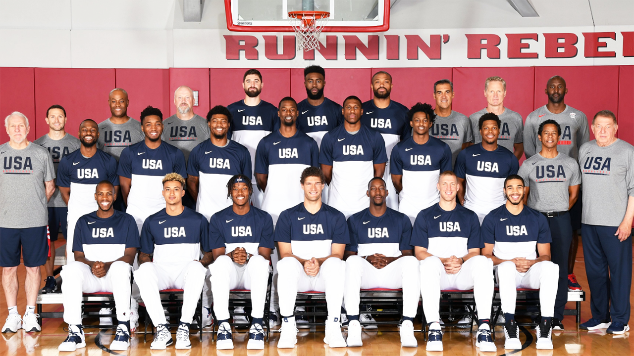 Team USA ridiculed over farcical group photo