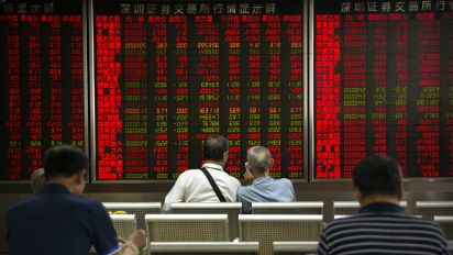 Stocks crumble, safe havens in demand as coronavirus spreads