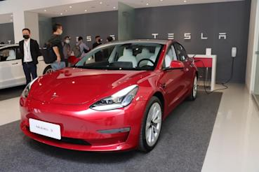 不只賣車、連能源供應也幫你處理!Tesla 家用充電與第三代 Wall Connect 壁掛式充電座實地解說!