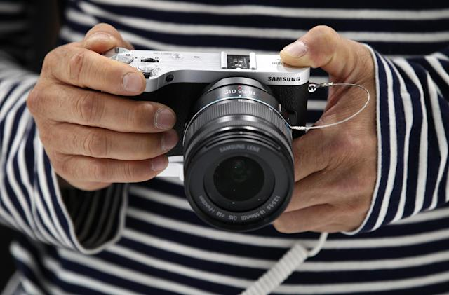 Samsung kills its camera and camcorder business in the UK