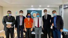 Ministro interino da Saúde recebe defensores do uso de ozônio pelo ânus para combater a Covid-19