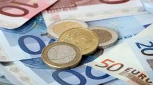 EUR/USD Price Forecast – Euro falls into support on Thursday