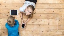 Si tus hijos tienen un celular estarán expuestos al porno en Internet, así puedes protegerlos