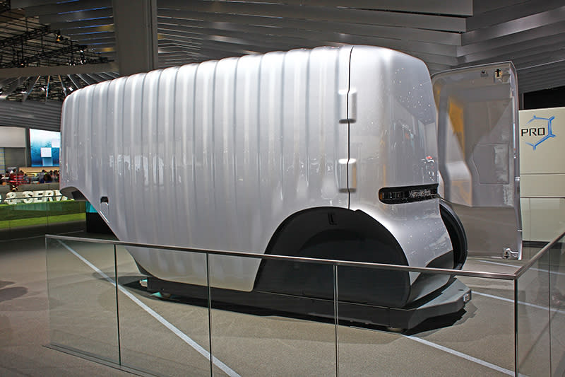 Mercedes- Benz Vision Urbanetic也可置換如圖中的貨車模組,變身自動駕駛貨車。