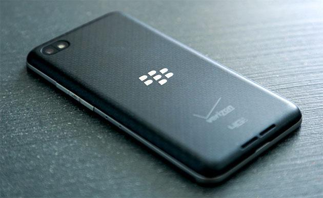 BlackBerry loses its bread and butter as Bold and Curve sales finally collapse