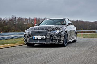 和油車一樣順暢而有樂趣?BMW釋出i4最終官方動態測試影片現精準操駕