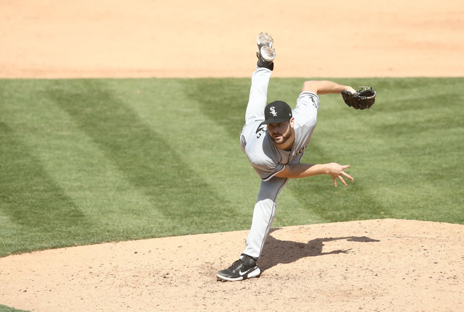 Lucas Giolito's 7-plus innings of 2-hit ball lift the White Sox to a 4-1 win over the A's in Game 1 of the best-of-3 AL wild-card series