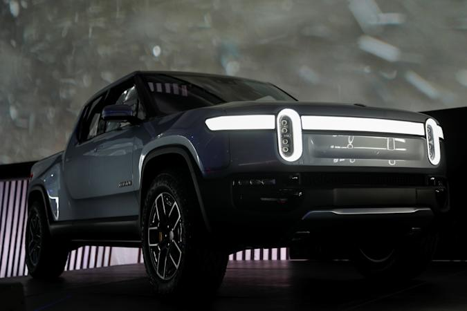 Rivian introduces R1T all-electric pickup truck at Los Angeles Auto Show in Los Angeles, California, U.S. November 27, 2018.  REUTERS/Mike Blake