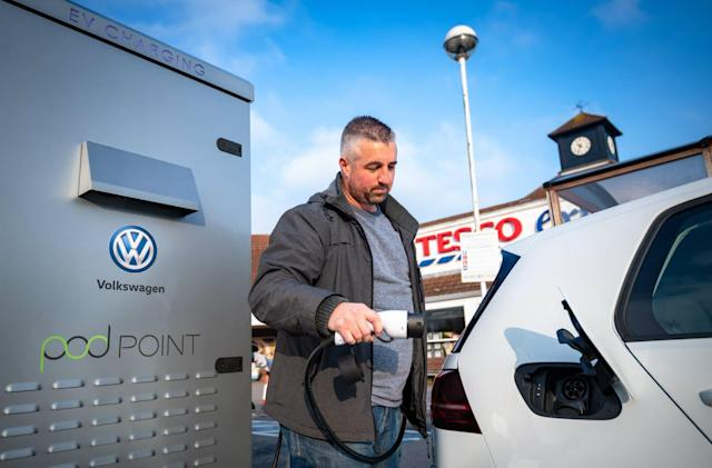 UK supermarket Tesco teams with VW to install 2,500 EV chargers