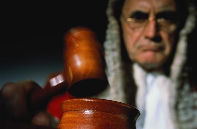 Courts told to look down on licence dodgers with pay-TV subscriptions