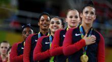U.S. gymnastics team awkwardly narrates medal ceremony anthem