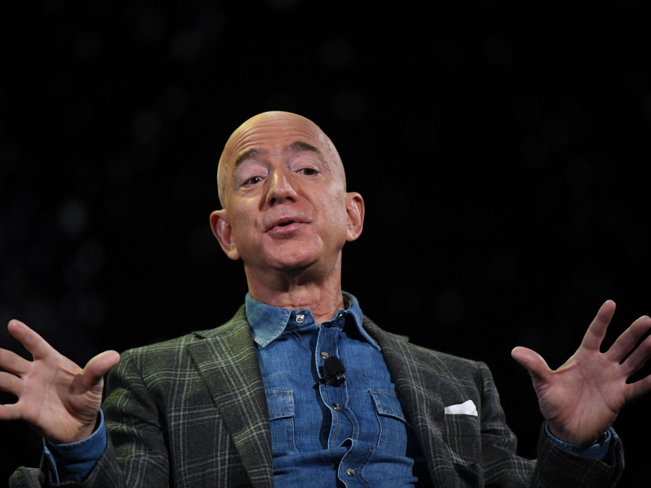 Look at this really big boat that may or may not be Jeff Bezos' new superyacht