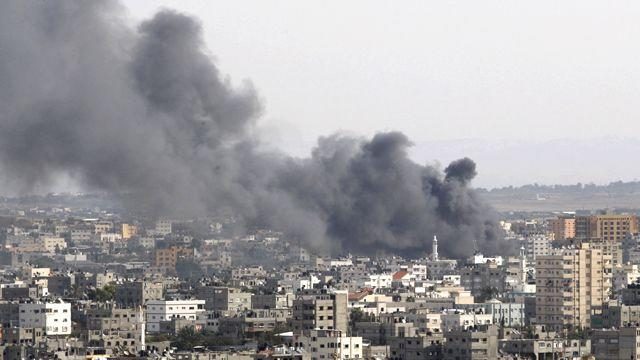 Clashes escalate in Israel, Hamas conflict