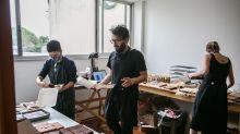 Dos artistas en quiebra abrieron una panadería en casa y es un éxito pandémico