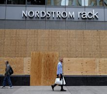 These 2 retailers will have terrible holiday seasons, market strategist predicts