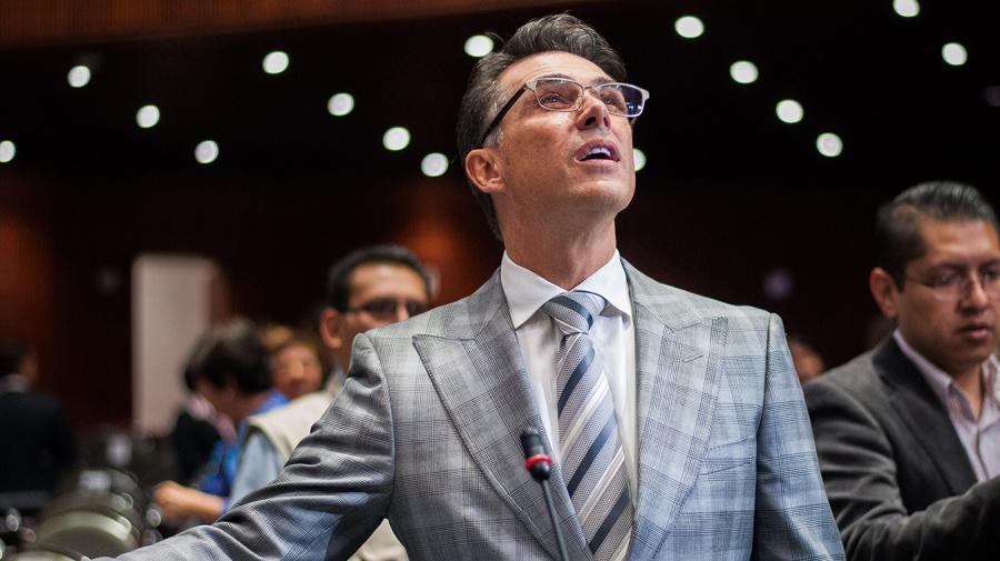 Sergio Mayer presenta show en la Comisión de Cultura