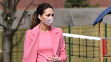 Kate verzaubert in Pullover mit Muschelsaum - hier kannst du ihn shoppen