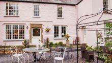 Calling all royal fans, Princess Margaret's former home is up for sale