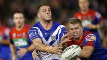 Bulldogs lock Elliott cops injury blow