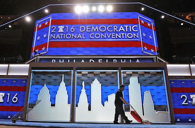 FBI to investigate Russia's involvement in DNC email leak