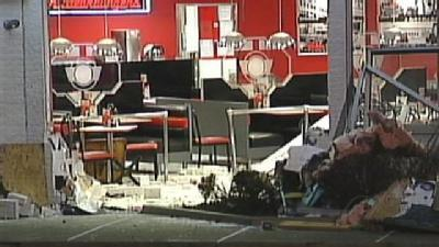 Driver Wearing Cast Hits Robinson Township Steak 'n Shake