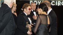 Elton John defiende públicamente a Meghan Markle y Harry