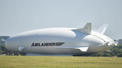 Watch the Giant Butt-Shaped Aircraft Crash Into a Field