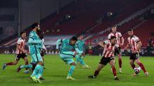 'Dedico essa vitória ao Alisson', diz Firmino após Liverpool voltar a vencer na Premier League