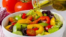 La dieta mediterránea con aceite de oliva y con frutos secos es la mejor para adelgazar